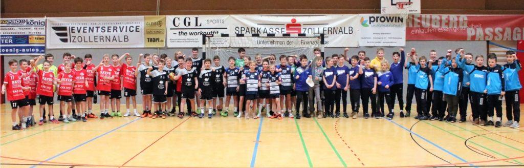 Gruppenbild der teilnehmenden Mannschaften beim Heuberg-Cup (EHF) 2020